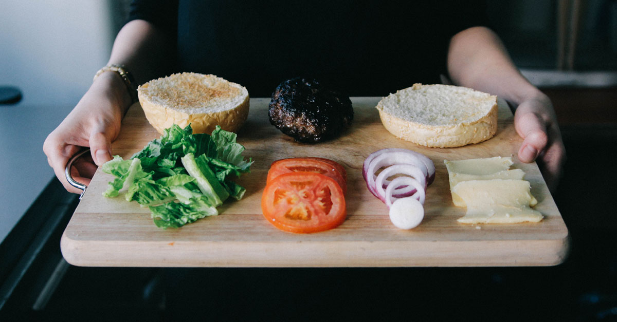complementos hamburguesa - trucos para hacer la mejor hamburguesa en casa