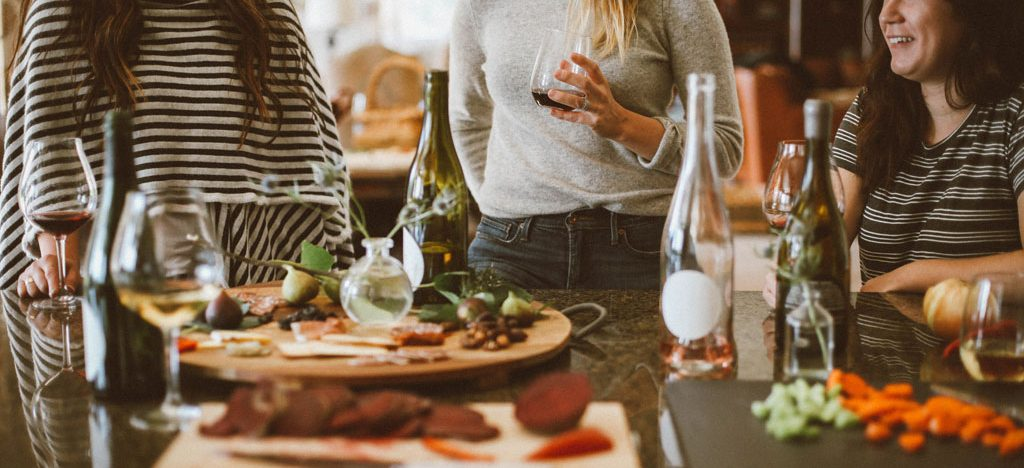 Consejos para comer bien y saludable fuera de casa-compartir los entrantes